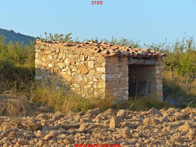 Rustic finca in Pinell de Brai