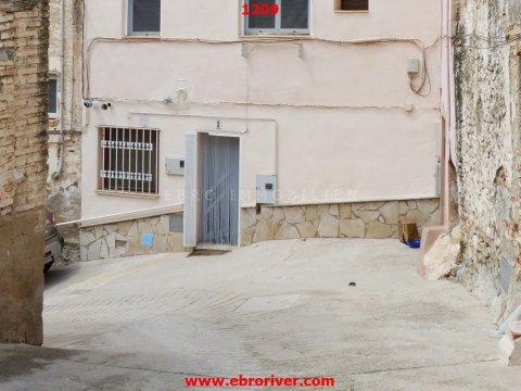 Maison de ville à Tivenys / Ebro
