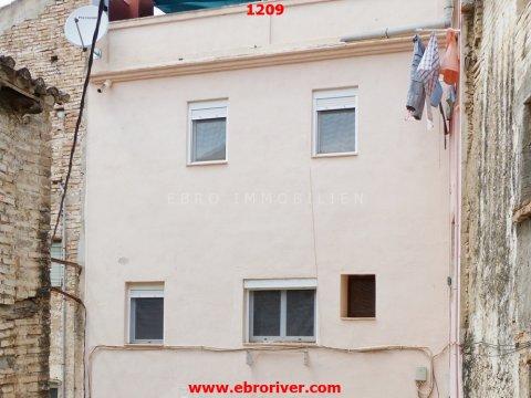 Stadthaus am Ebro in Tivenys